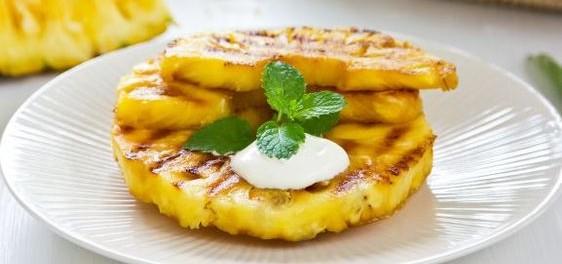 Ananas grillé au barbecue