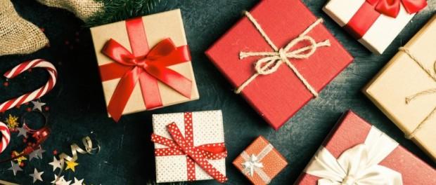 7427763_Nos conseils pour des cadeaux de Noël sympas et pas chers_1000x625